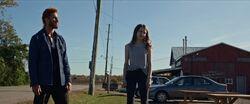 Лора и Суини на ранчо 1x07