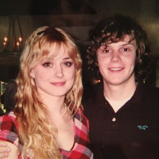 Alexandra Breckenridge and her then-boyfriend Evan Peters