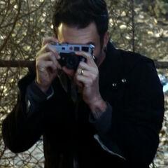 Лео фотографирует Терезу