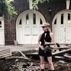Emma Roberts como Madison Montgomery