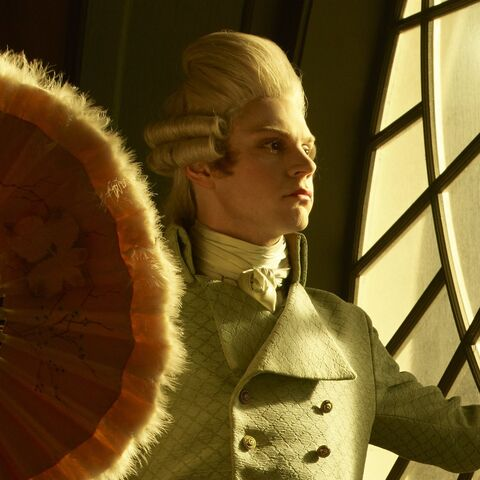File:Promotional Evan Peters as Edward Mott with a fan.jpg