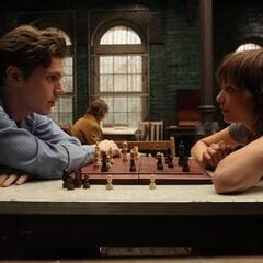 Грейс и Кит играют в шахматы