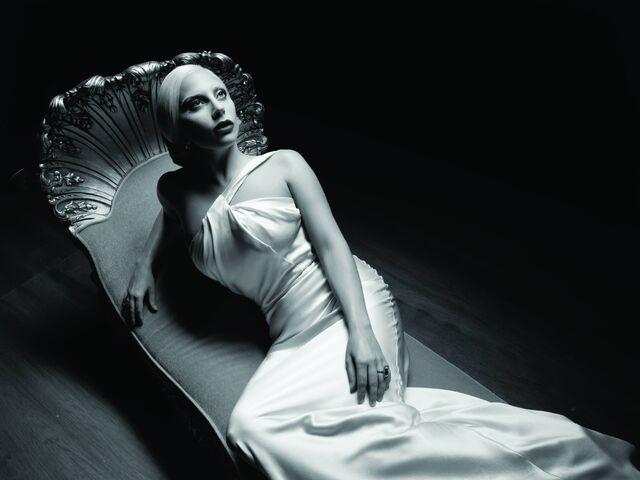 File:S5 Promo Still Countess Hollywood Diva.jpg