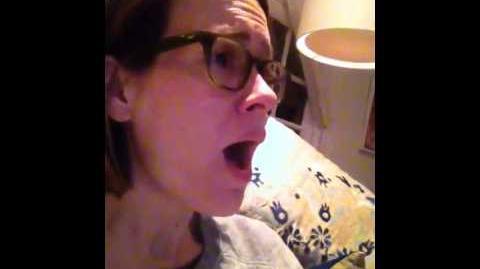 Sarah Paulson sings Game of thrones