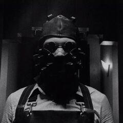 Джеймс в маске