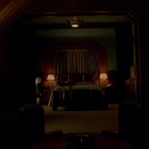 A Glass of Wine: American Horror Story: Hotel - Room 33