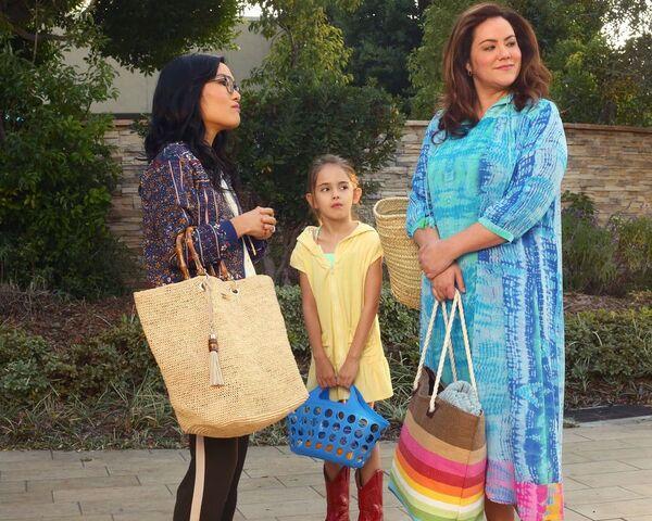 File:American-Housewife-episode-114-The-Club-Ali-Wong-Julia-Butters-Katy-Mixon.jpg