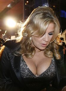 800px-Jennifer Coolidge 2 (cropped)