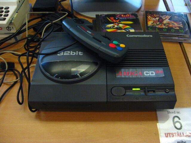 File:AmigaCD32-3053.jpg