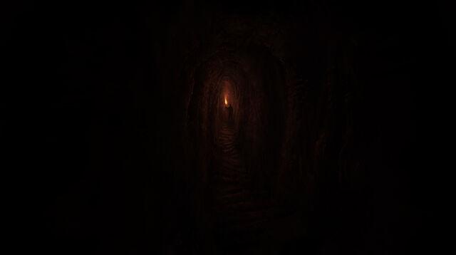 Archivo:Daniel exploring the tomb of Tin Hinan.jpg