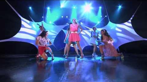 Violetta- Momento musical - Show final-Violetta canta con las chicas