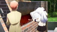Otonashi unterhält sich