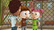 S02E02 Angelo trzyma Lolę
