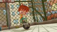 S02E02 Monika kopie piłkę