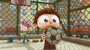 S02E02 Angelo mający piłkę