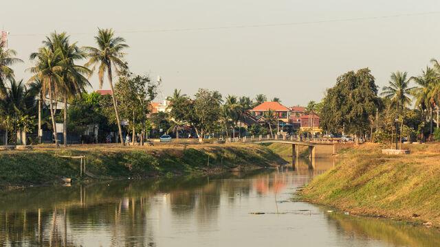 File:Siem Reap river.JPG