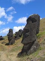 400px-Moai Rano raraku