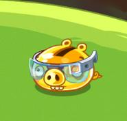 Золотая свинья в очках