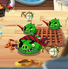 Бывалый пират среди других пиратов