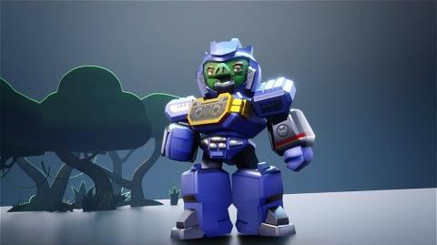 Angry Birds Transformers Chef Pig as Soundwave