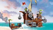 Lego-angry-birds-movie-Piggy-Pirate-Ship