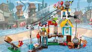 Lego-angry-birds-movie-Pig-City-Teardown