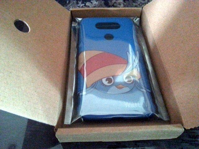 File:GoldenGale's phone case.jpg