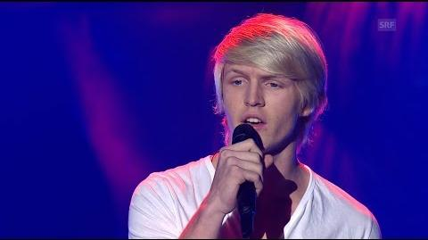 """Cédric interprète """"S.O.S d'un terrien en détresse"""" (Daniel Balavoine) pour les auditions à l'aveugle de The Voice"""