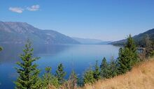 1024px-kootenay-lake-south-arm