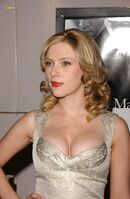 Scarlett Johansson (52)