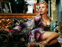 Scarlett Johansson (75)