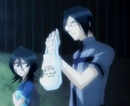 Uryu comes to Rukia's aid