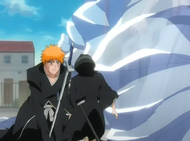 Rukia helps Ichigo
