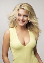 Jeanette-biedermann-cleavage-8
