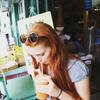 GGF Anne mit Orangensaft