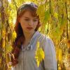GGF Anne mit gelben Blättern