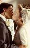 RtA Gus und Felicity küssen sich