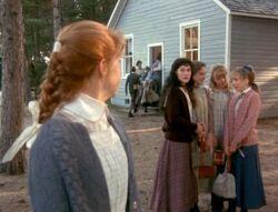1985 Mädchen an der Schule