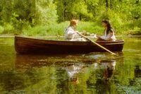 Anne und Diana im Boot