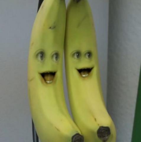 File:Annoying Orange Banana.png
