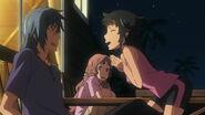 Chiharu rozmawia z Tetsurō