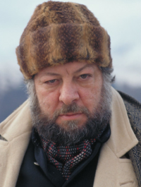 Henchman-gupta-portrait