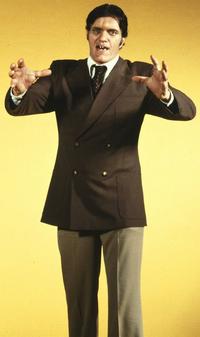 Jaws-1979-suit