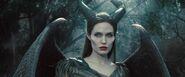 Maleficent-angelina-jolie-31-1