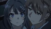 Mai and Sakuta cuddling 2