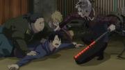 Shiratori con torturando a Rin