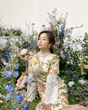 FLORAL DAY Bomi 1