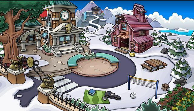 File:Mine shack before skatepark .jpg