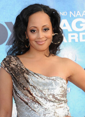 Essence Atkins 42nd NAACP Image Awards Arrivals rvCFUYN4Y6ul-1-