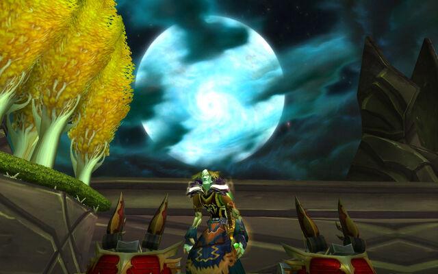 File:Scribner visits the Black Temple.jpg